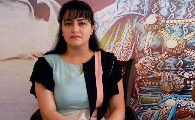 हनीप्रीत की करीबी 'मौसी' गिरफ्ता के लिए इमेज परिणाम